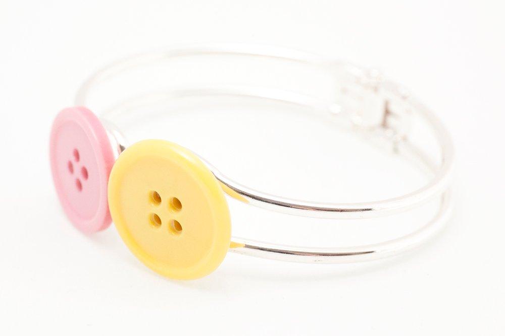 Rosa och gula knappar, armband