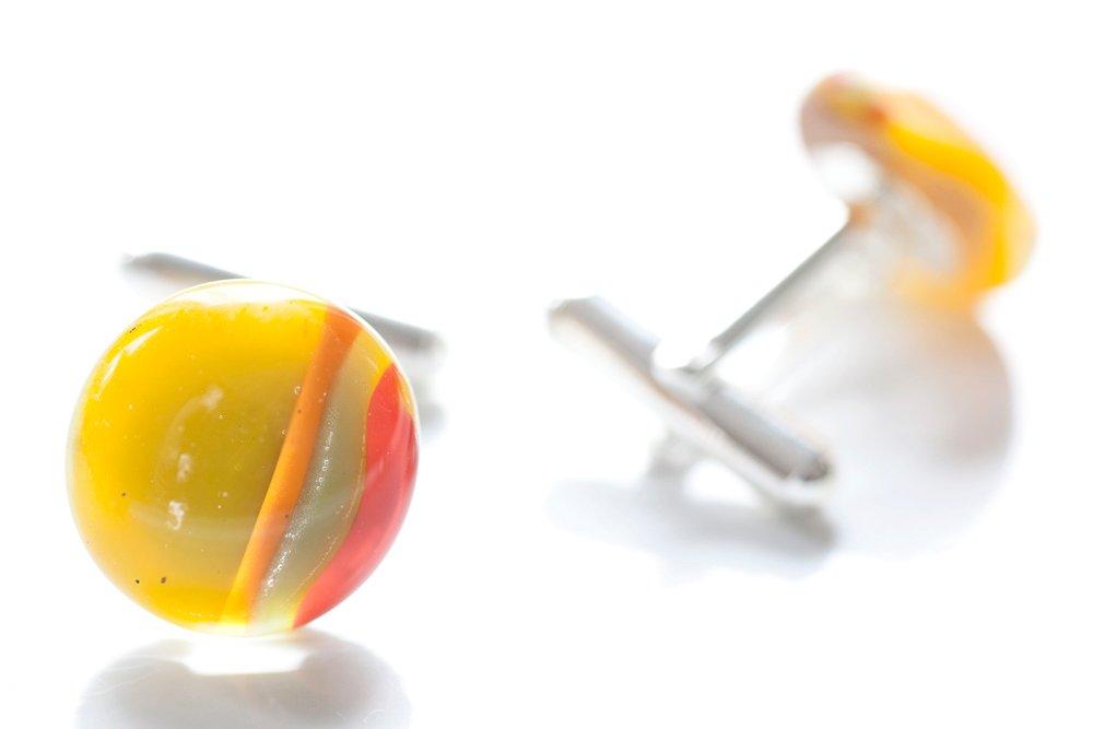 Manschettknappar av handgjort glas i gult, orange och rött