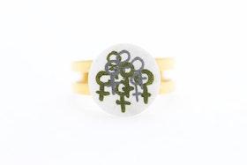 Ring, feminist