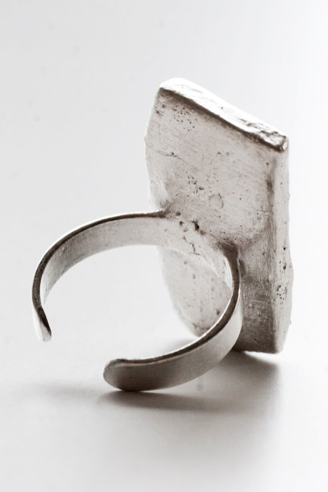 Retroporslin och silver, ring