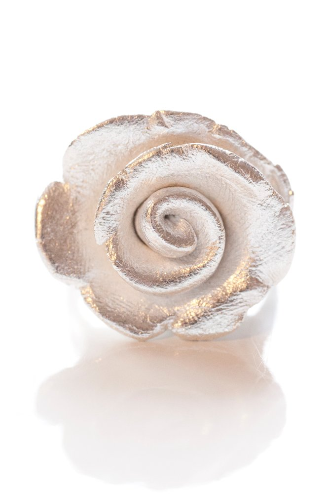 Silverblomma, ring