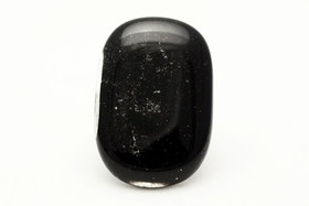 Ring i svart glas