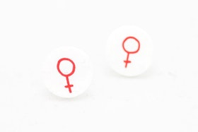 Röda och vita örstickare, feminist