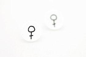 Svarta och vita örstickare, feminist