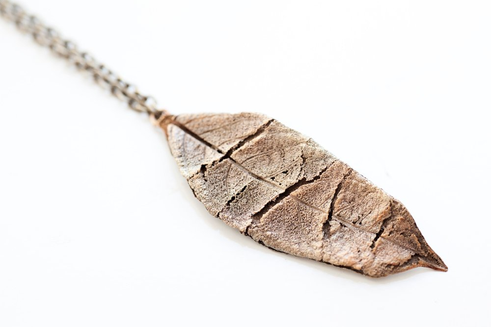 Bronslöv på kedja