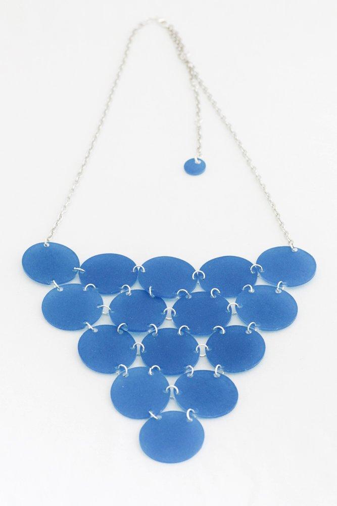 Blå triangel, halsband