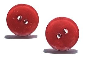 Röda knappar, örstickare