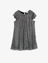 Glittrig klänning
