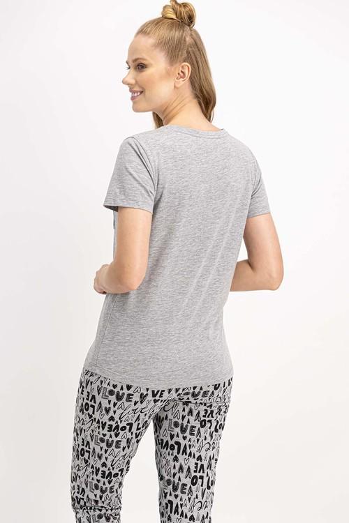 Pyjamas med topp och byxa