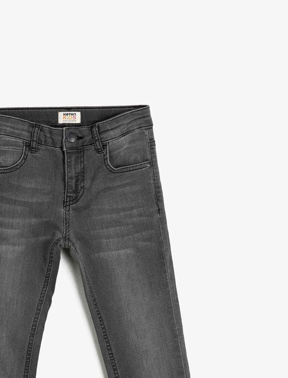 Narrow fit svarta jeans