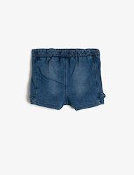 Shorts med volang