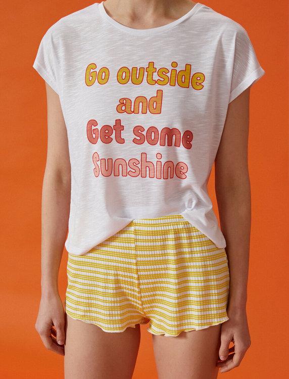 Pyjamas med topp och shorts