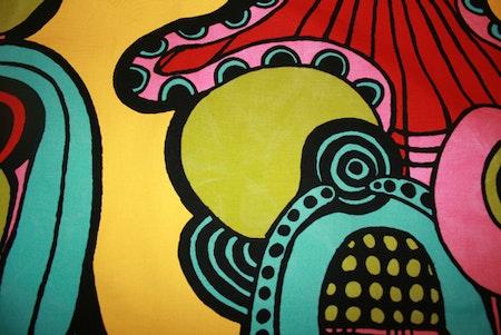 Tyg färgglatt gult Solskärm / bältesmuddar