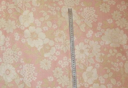 Tyg rosa med beige/vita blommor