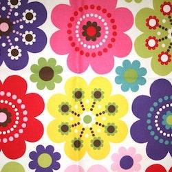 Tyg Blommigt och färgglatt