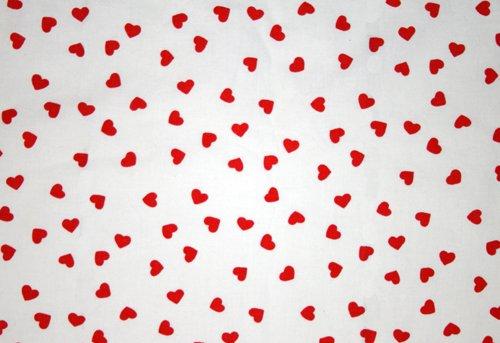 Tyg med röda hjärtan