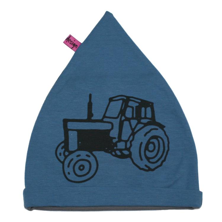 Blå barnmössa med traktor volvo