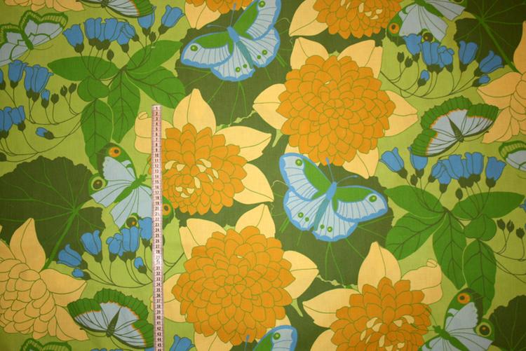 Bomullstyg Grönt med gula blommor och fåglar 70-tals retro