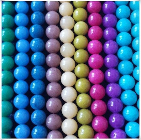 Färgad jade 8 mm