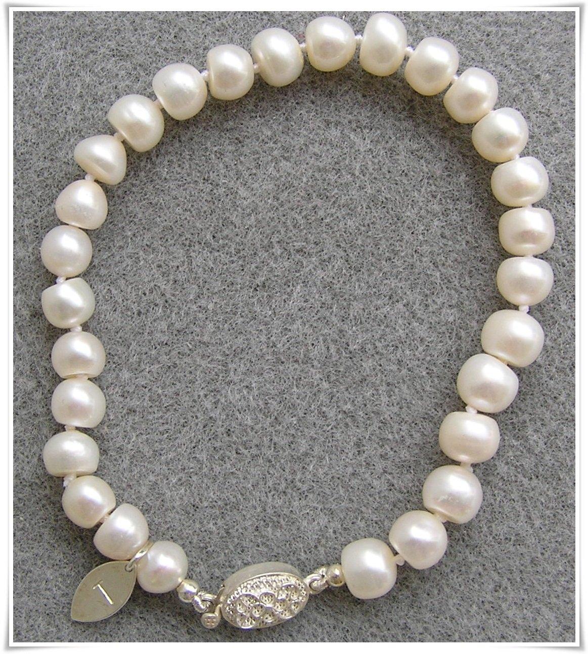 Armband med sötvattenspärlor (047)