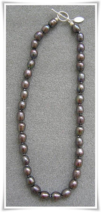 Halsband med sötvattenspärlor (055)