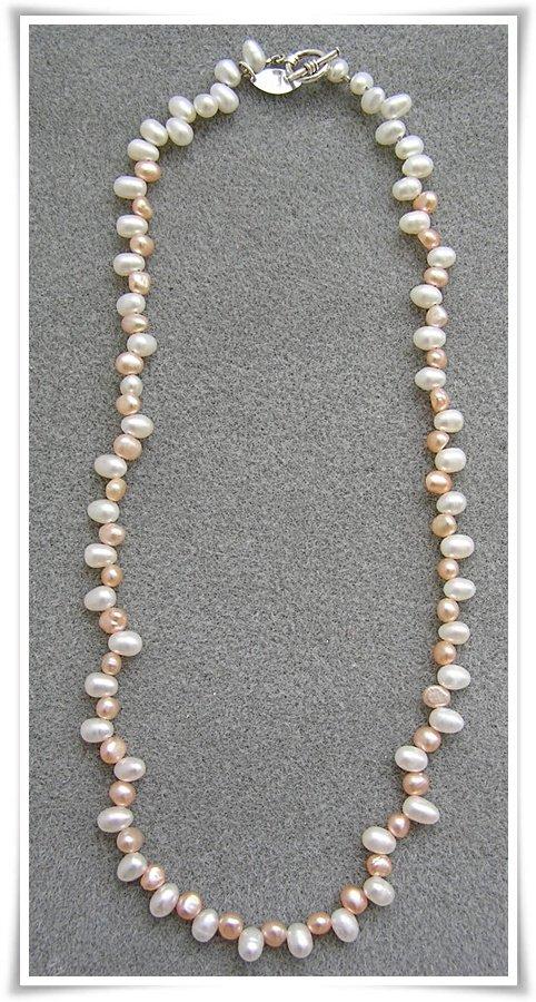 Halsband med sötvattenspärlor (058)