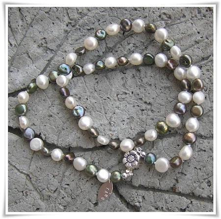 Halsband med sötvattenspärlor (114)