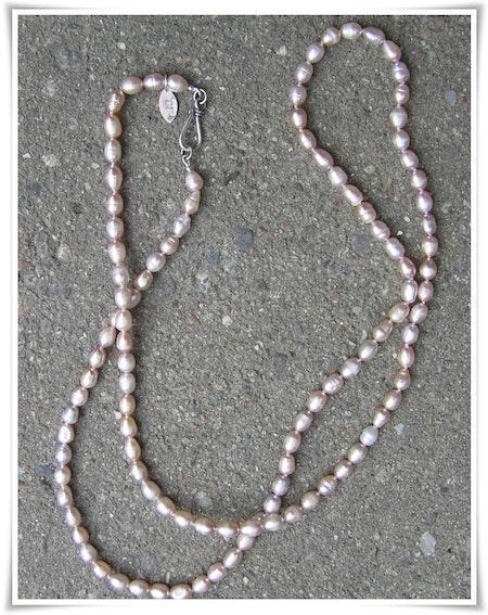 Halsband sötvattenspärlor (136)