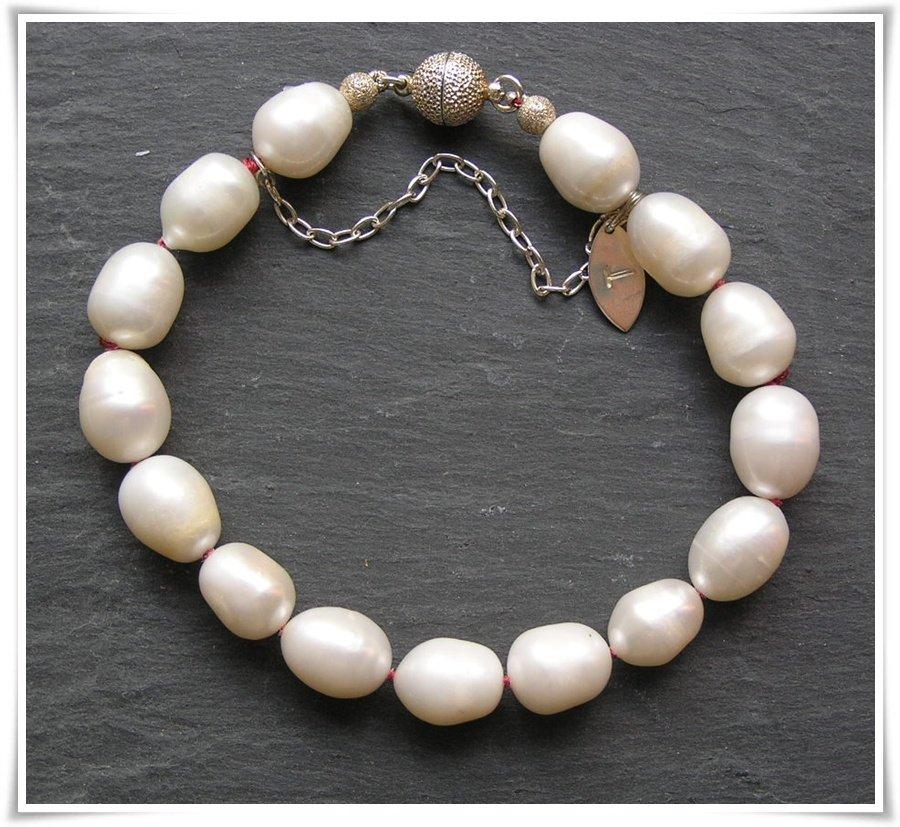 Armband med sötvattenspärlor (184)
