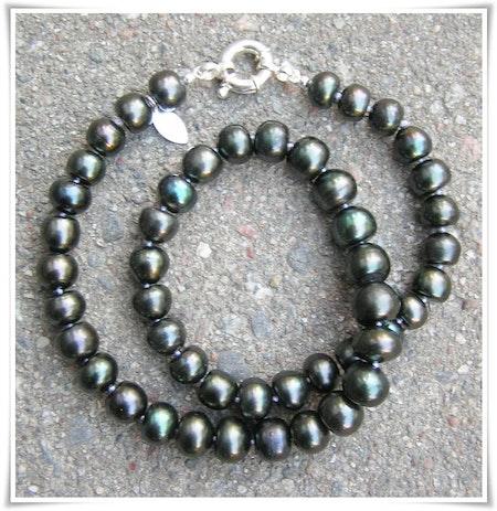 Halsband med sötvattenspärlor (222)