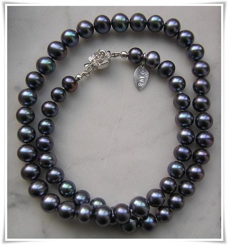 Halsband med sötvattenspärlor (224)