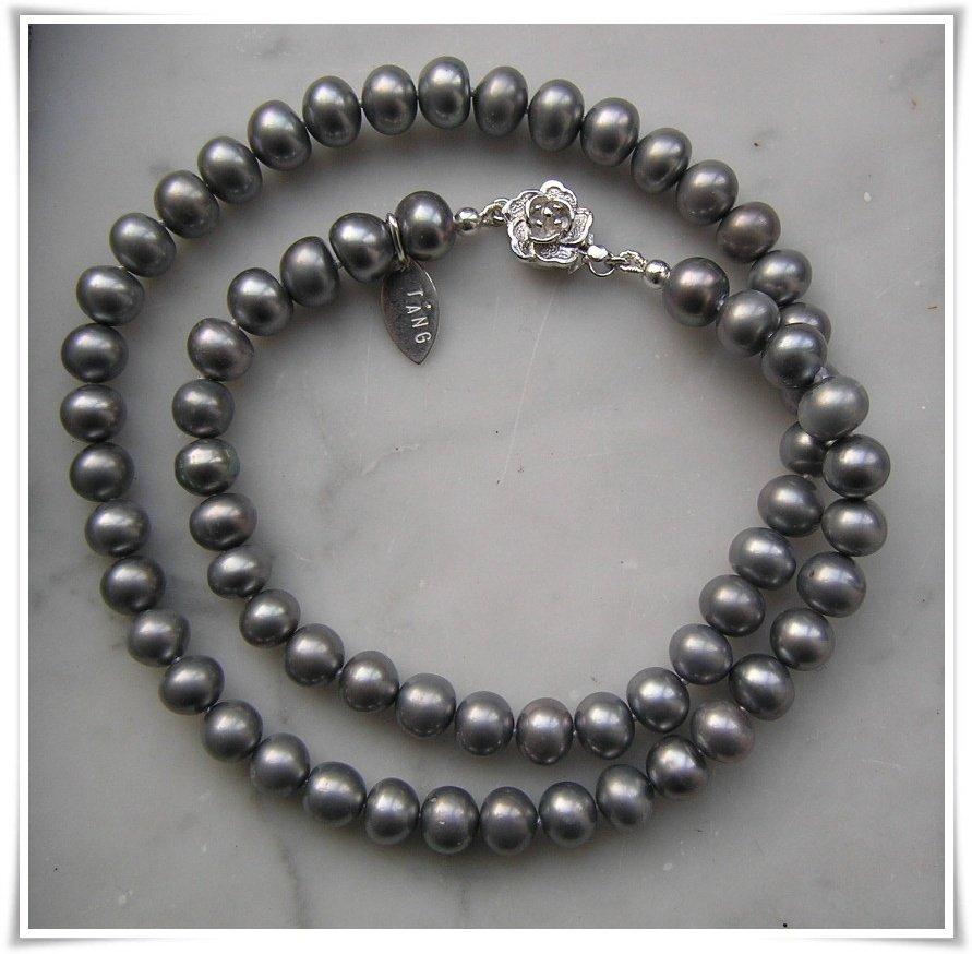 Halsband med sötvattenspärlor (225)