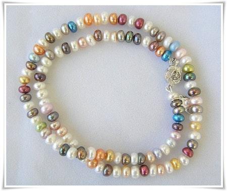 Halsband med sötvattenspärlor (323)
