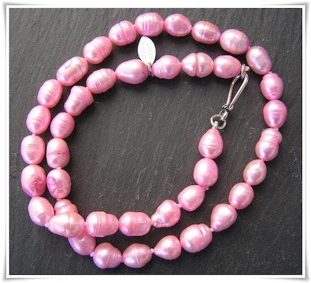 Halsband med sötvattenspärlor (361)