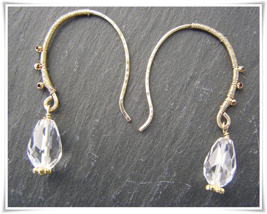 Örhänge goldfilled med bergkristall (368)