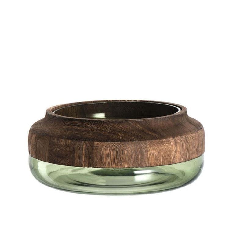 Skål tillverkad i glas och trä