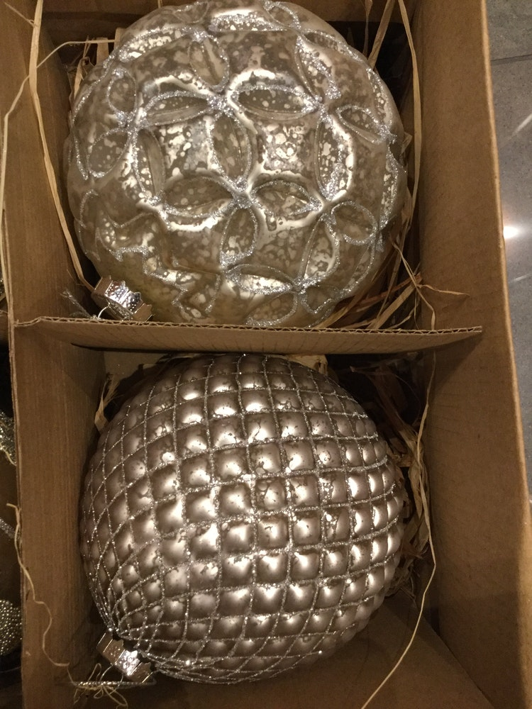 Julgransdekoration. 12 cm. Gl. Ball.6 piece
