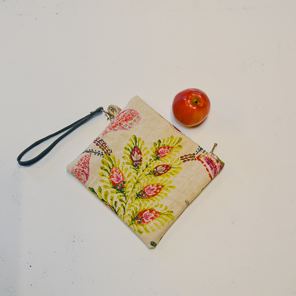Handledsväska Clutch Dots med äpple