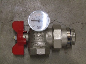 Kulventil vinkel R25 Röd och Blå färg med termometer
