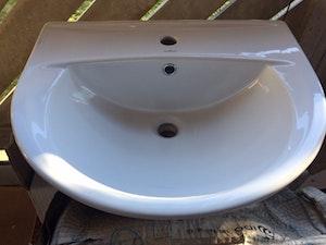 Rea. Cersanit tvättställ Porslin, konsolhängt, ord. Pris 595kr, begränsat antal