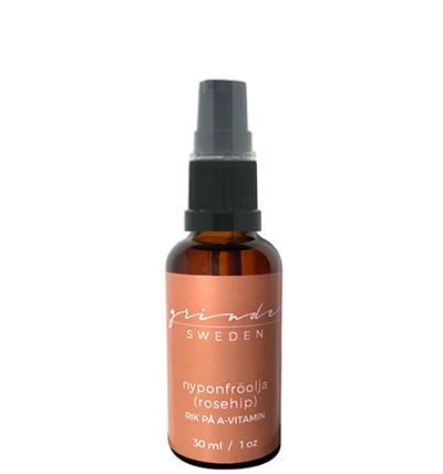 Denna nyponfröolja är en ekologisk, certifierad, kallpressad, unik och näringsrik olja rik på essentiella fettsyror och har ett naturligt innehåll av C-, och A-vitamin (retinsyra). A-vitamin fungerar