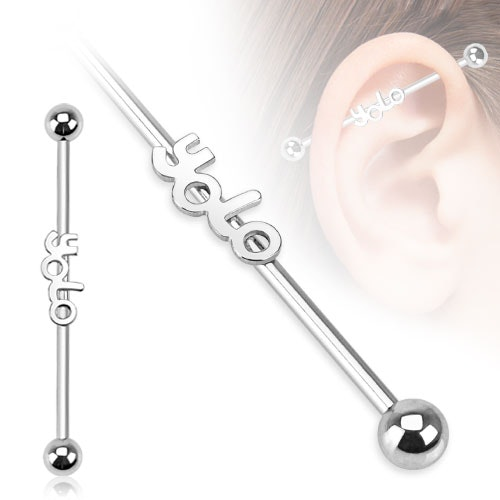 "Industrial Barbell 1.6mm med 5mm kulor och text ""YOLO"""