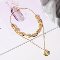 Hot seashell necklace gold