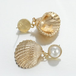 Rachel seashell earrings