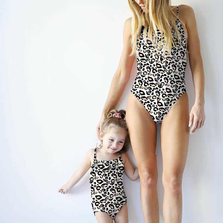 Mother & daughter leo