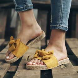Bowknot slippers yellow