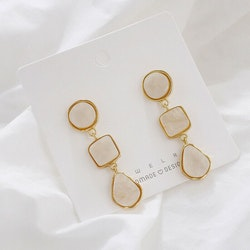 Elise earrings beige