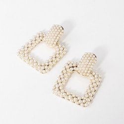 Joanna earrings pearls