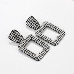 Joanna earrings black