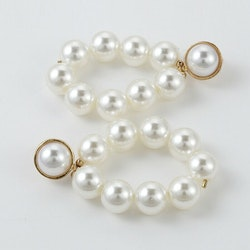 Diana pearl earrings